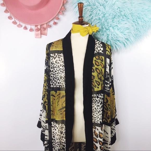 6deae1897d Vtg 80s Animal Print Kimono Duster Jacket M. M 5c3d036d12cd4adc68ad6a06